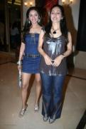 Vineeta Mallik,Ketaki Dave at Gr8 Magazines Anu Ranjans Womens day bash at Fun Republic on March 7th 2008 shown to user