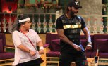 mika-singh-kanika-kapoor-and-chris-gayle-on-the-sets-of-the-kapil-sharma-show-7