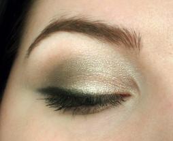 boudior-eye-palette-shimmery-neutral-look