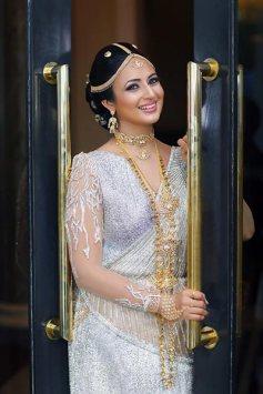 divyanka-tripathi-clicked-as-a-sri-lankan-bride-201601-648553