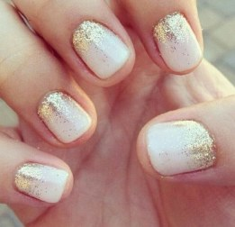 2-white-and-gold-nail-designs