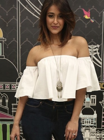 ileana-dcruz-and-anusha-dandekar-in-off-shoulder