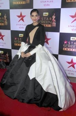 Bollywood actor Sonam Kapoor during the 23rd Annual Star Screen Awards 2016 in Mumbai, India on December 4, 2016. (Utsav Devdutta/SOLARIS IMAGES)